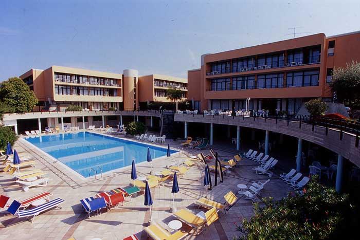 Hotel *** Residence Holiday